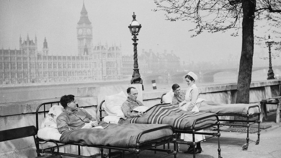 Tuberculosis patients from St. Thomas' Hospital, 1920s